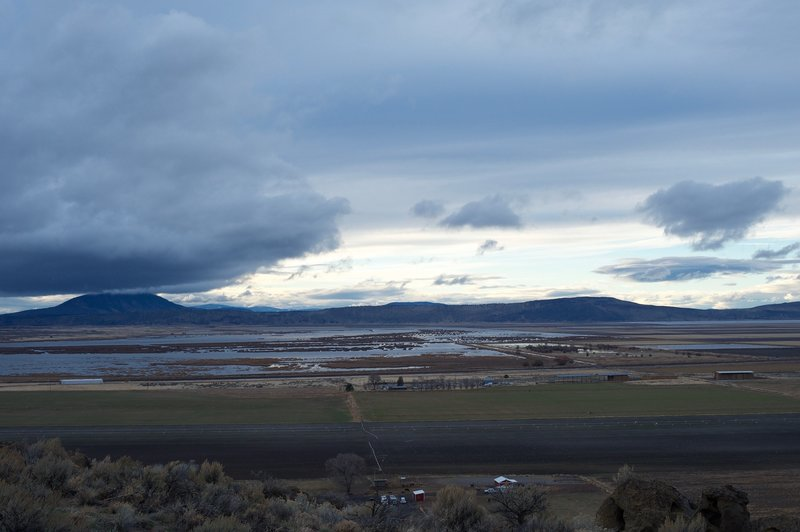 Views of the Tulelake National Wildlife Preserve spread out before you.
