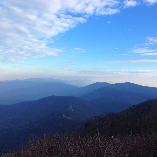 View north following the mountains within Shenandoah National Park.
