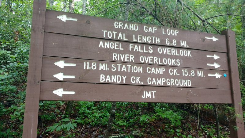 The trail intersection along the Grand Gap Loop Trail and the Angel Falls Overlook Trail is well marked.