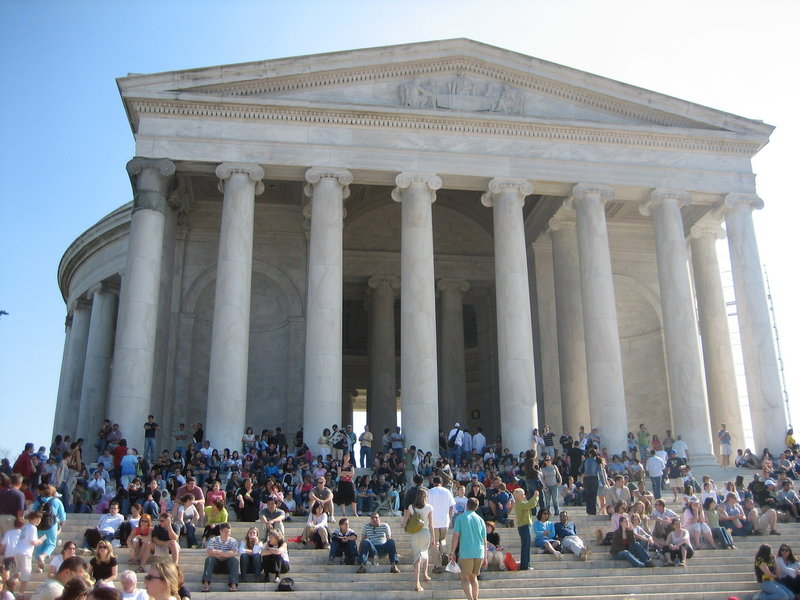While gorgeously built and a must-see, the Lincoln Memorial can be overwhelmingly busy.