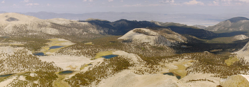 The panoramic views from Cirque Peak are almost otherworldly.
