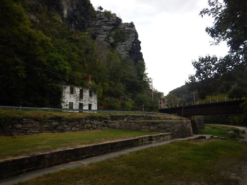 The ruins of a C&O Canal Lockhouse stand outside of Harper's Ferry.