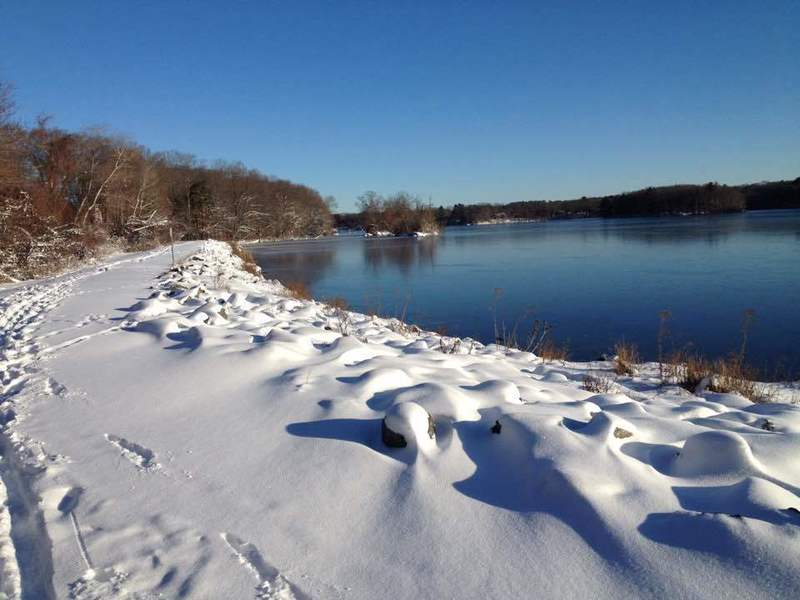 If the snow is too deep for foot travel along the Turner Reservoir, cross-country skiing makes for a great alternative.