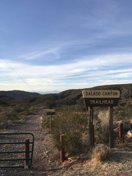 The Salado Canyon Trailhead is easy to find off of Fresnal Canyon Rd.