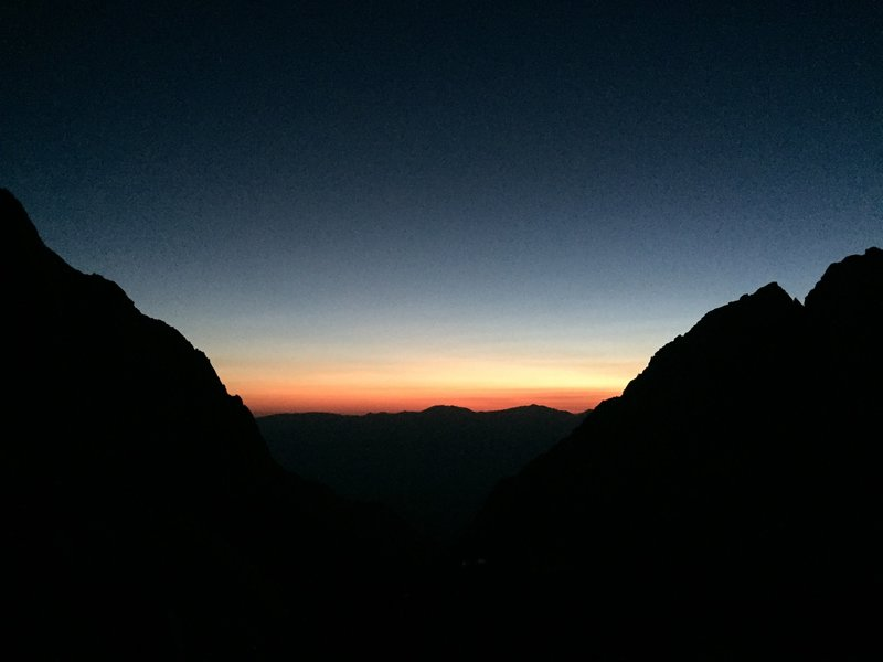 Day breaks four hours from the start on the Mount Whitney Trail.