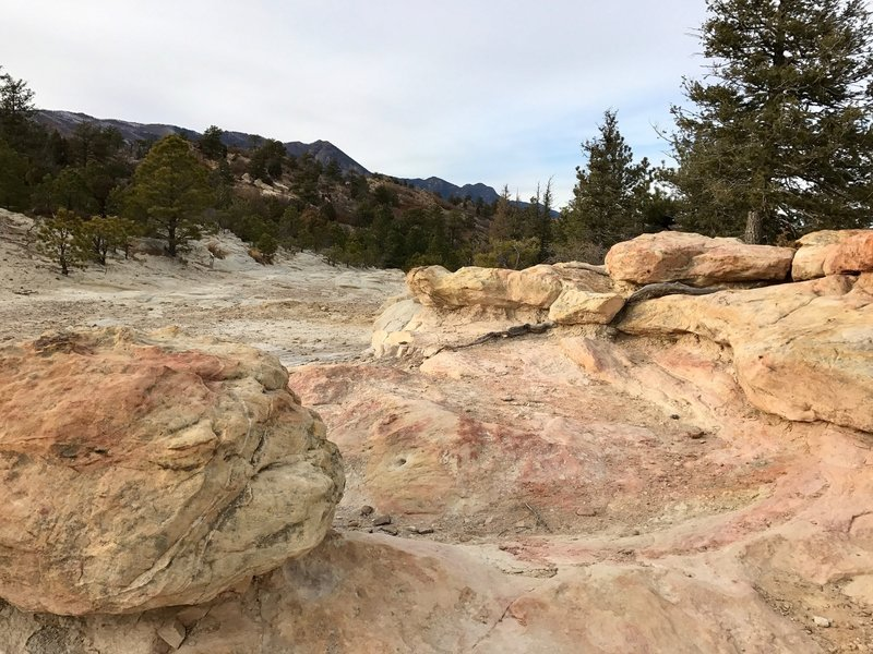 Rocks along the Pine Ridge Trail.