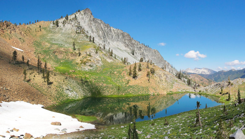 Siligo Peak and Deer Lake are easy on the eyes along the Four Lakes Loop.