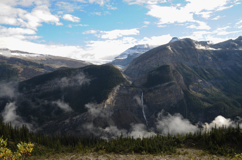 Stunning views of Takakkaw Falls and Niles Peak await from the Iceline Trail.