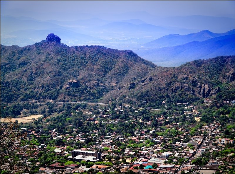 The Valley of Tepoztlán shines in the afternoon sun.