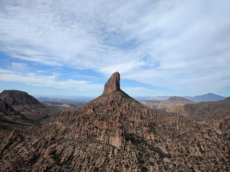 Weaver's Needle stands prominently in the distance.
