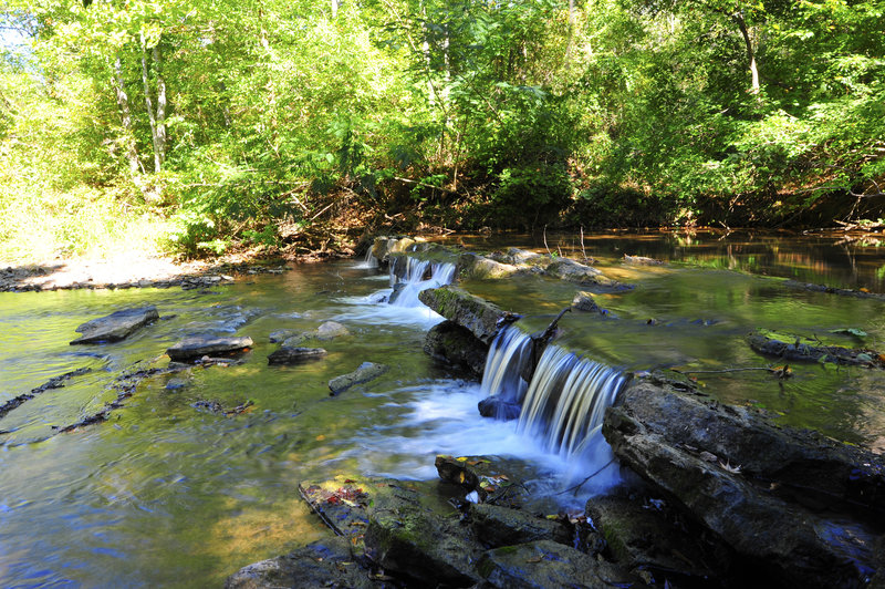 Mud Creek Falls is located just off the Dam Trail.