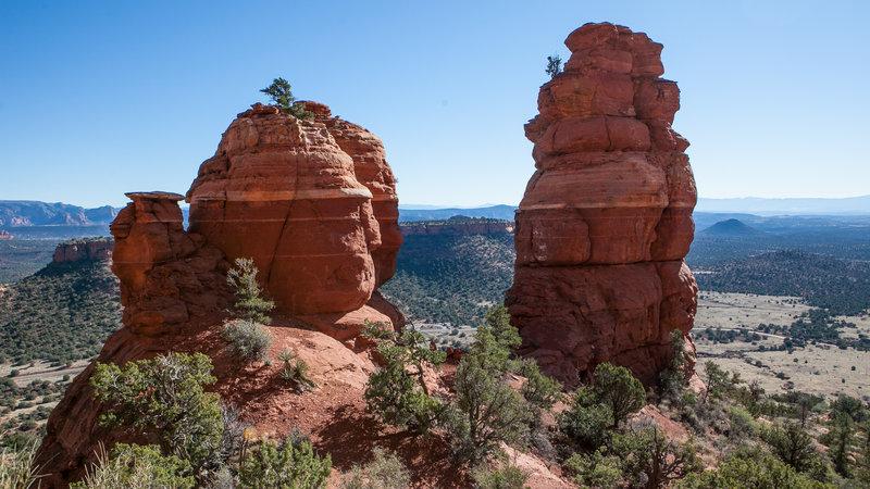 Two rocky heads stand alongside the Bear Mountain Trail.