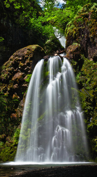 Fall Creek Falls is a must-see in Umpqua National Forest.