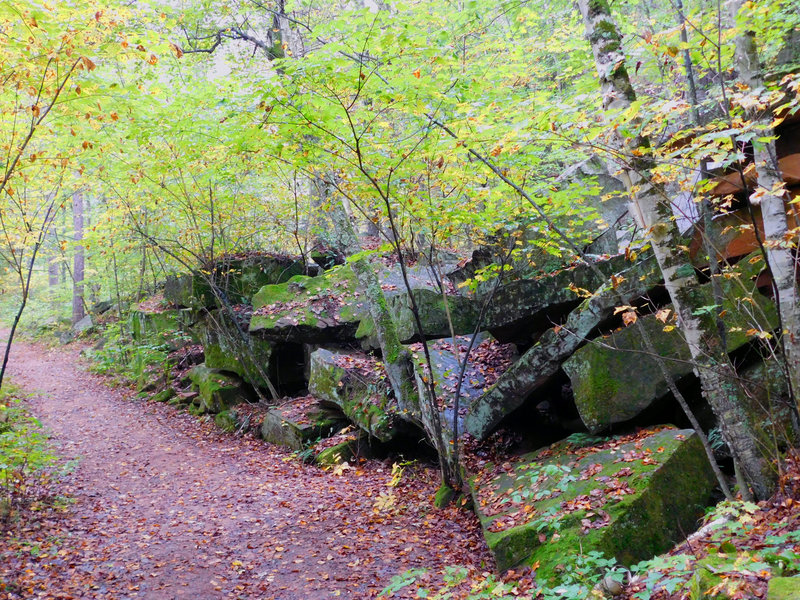 As a testament to its history, large slabs of rock are piled next to the Quarry Loop Trail.