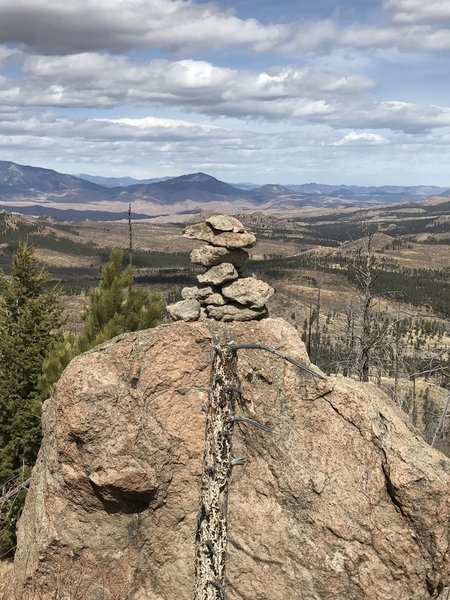 The top of Signal Butte offers a gorgeous view of the surrounding mountains.