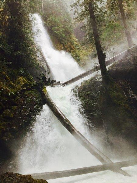 Murhut Falls cascades in all its glory.