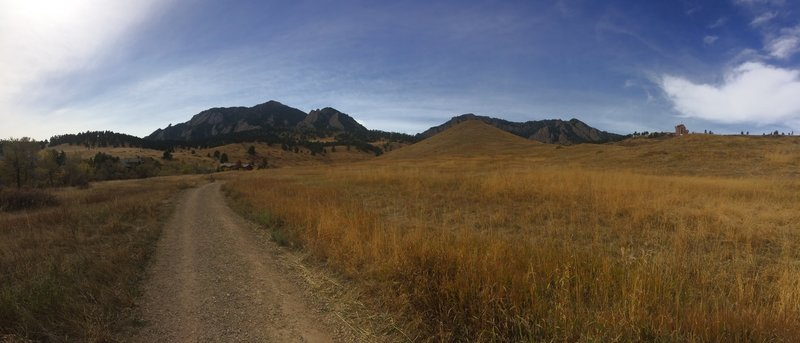 A nice trail into the Boulder foothills.