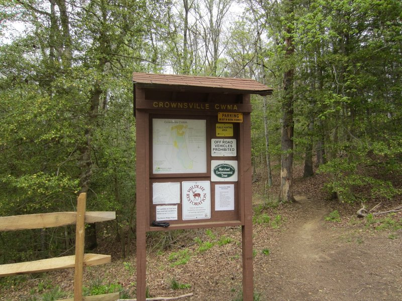 The trailhead is marked by this informative kiosk.