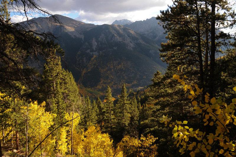 La Plata peaks above the ridgeline on the Black Cloud Trail.