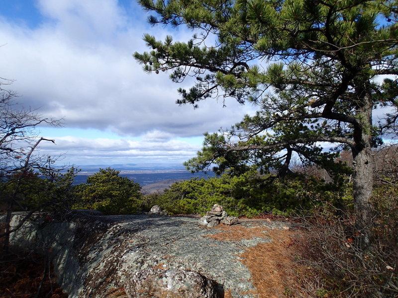 Western Ridge Trail traverses rocky ridgeline to great views of the Lower Hudson Valley.