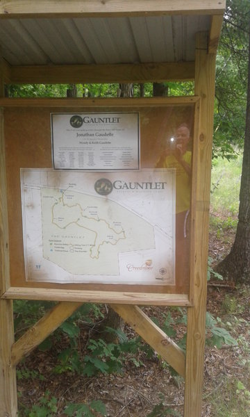 An informative kiosk offers you a map and some information about the trail.