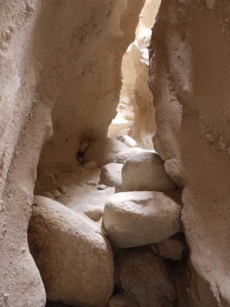Some sections of the Canyon Sin Nombre 760 Slot Canyon are quite narrow.