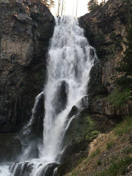 The Gardner River falls 150 feet to form Osprey Falls.