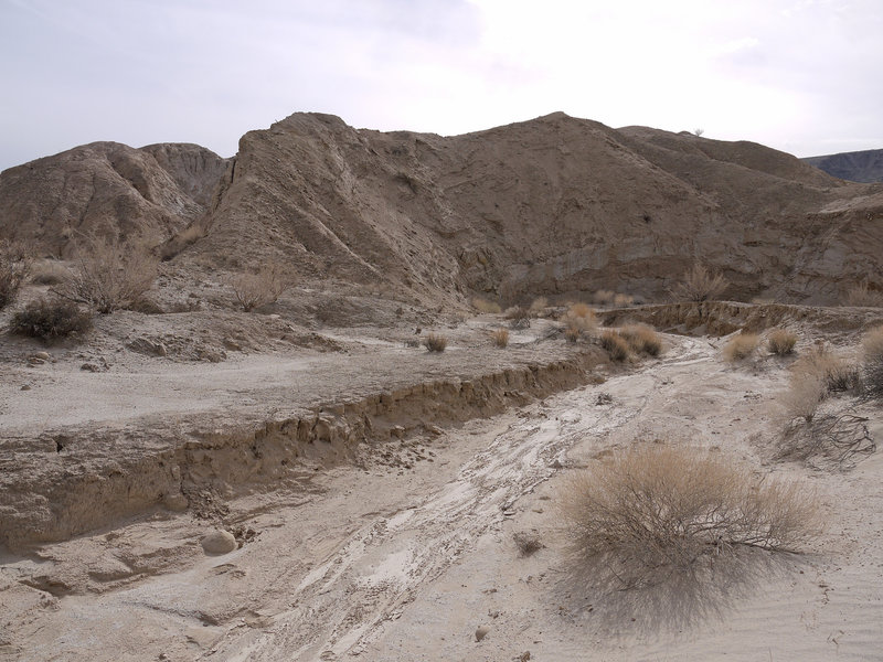 There are a host of washes near Canyon Sin Nombre just waiting to be explored.