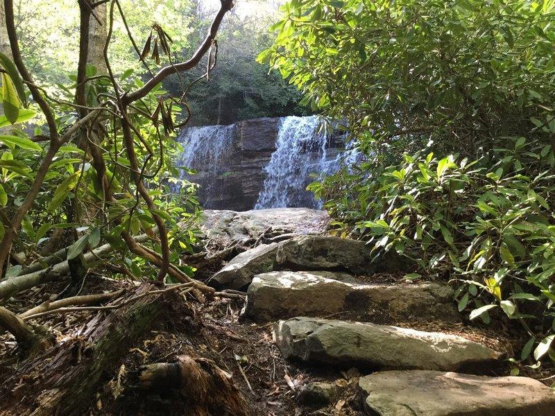 Approaching the lowest falls on the Glen Onoko Trail.