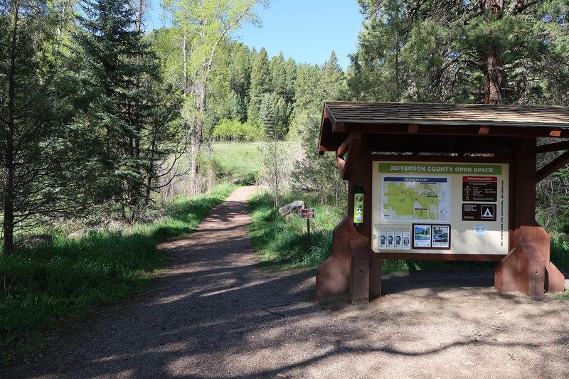 Reynolds Park Trailhead offers an informative kiosk complete with an area map.