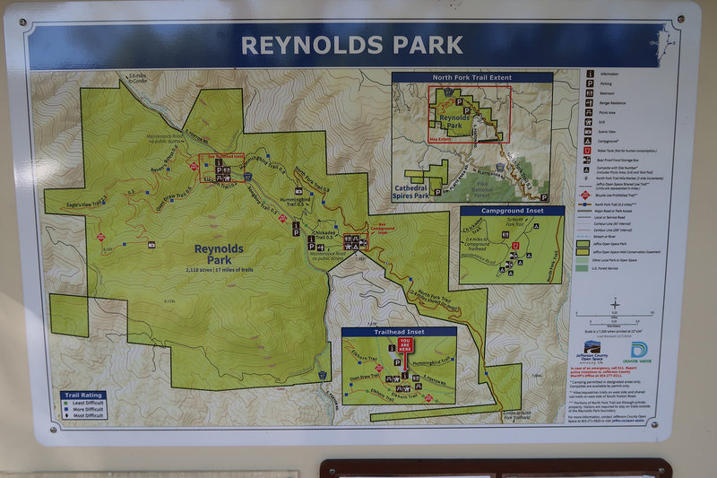 The trailhead kiosk provides this straightforward map.