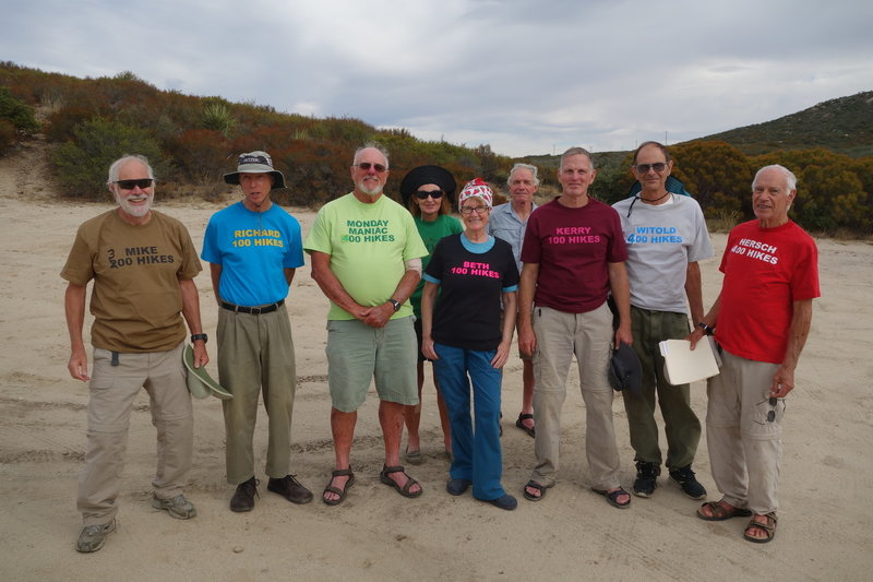 The Monday Maniacs celebrate Hersch's 400th hike at the end of the day.
