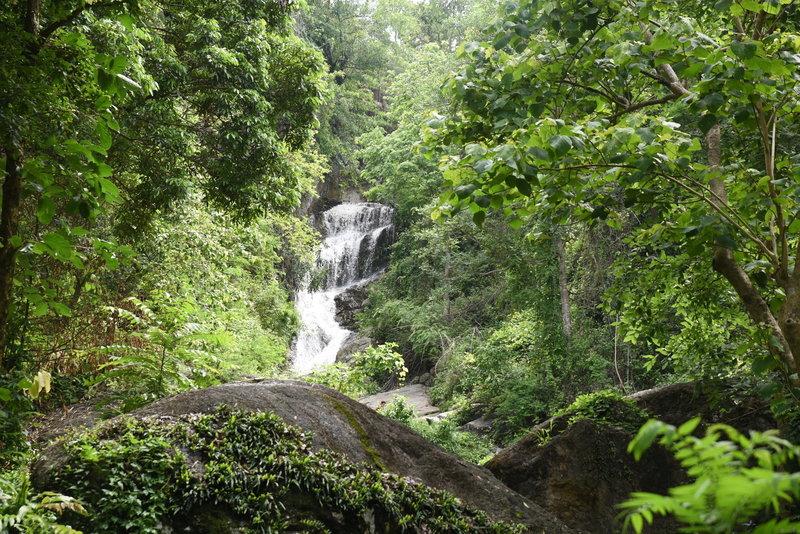 Huay Keaw Waterfall is quite beautiful.