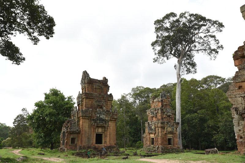 Prasat Suor Prat towers