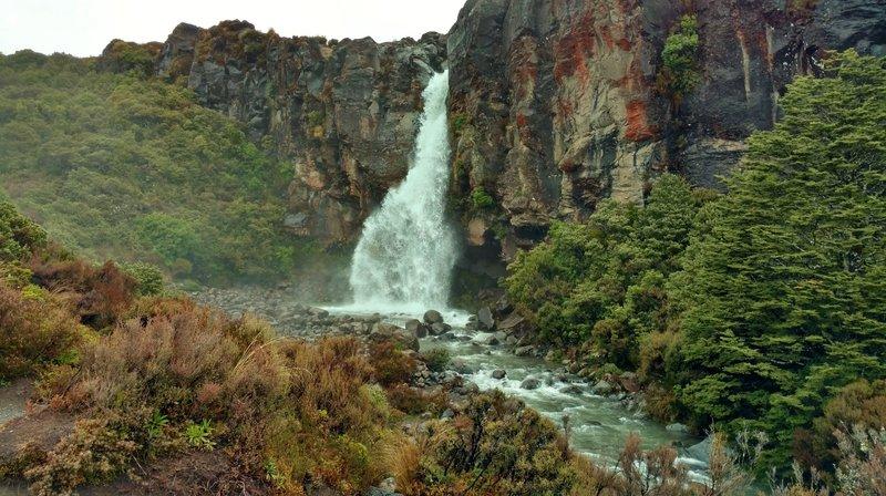 Taranaki Falls and the Wairere Stream below the falls.