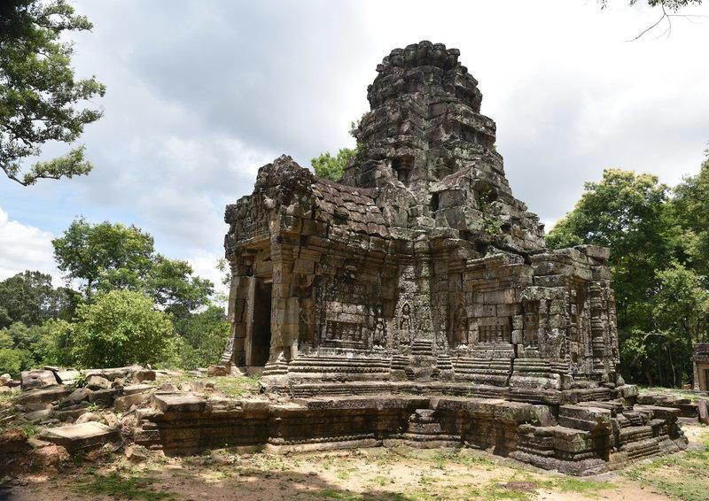 Prasat Chrung - Southeast (Hendrix Temple).
