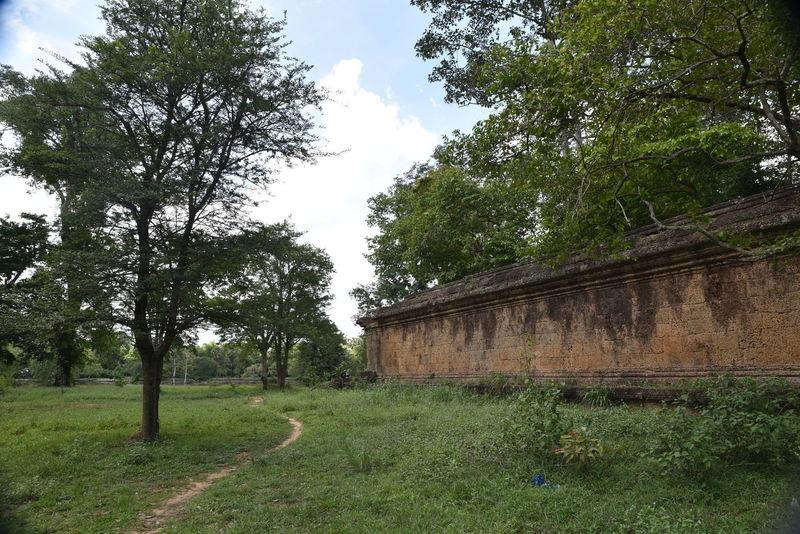 Angkor Wat Wall Trail.
