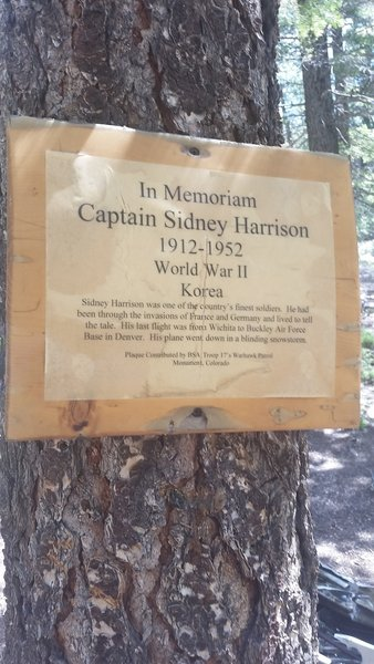 A sign about in memoriam of Captain Sidney Harrison.