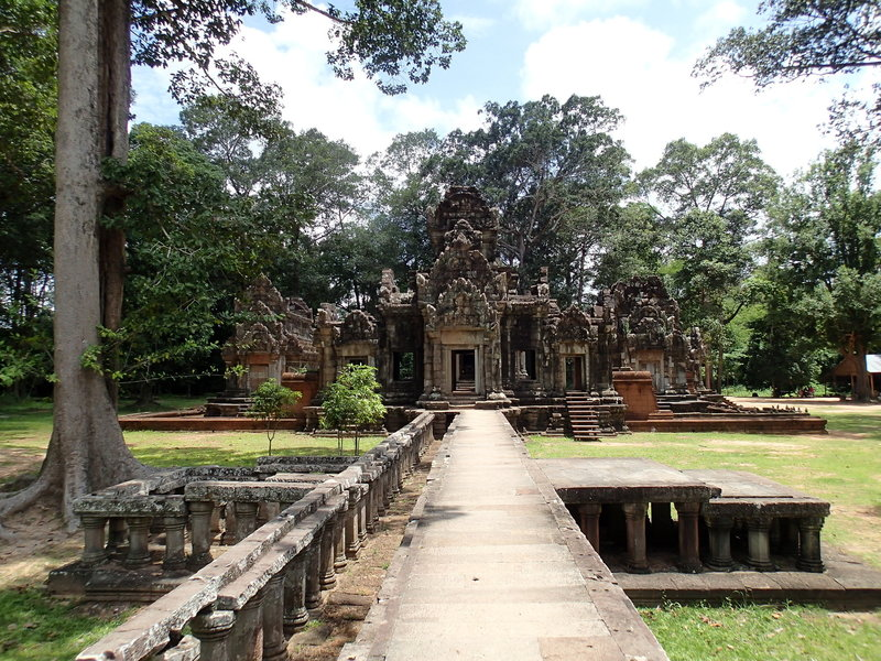 The west gate of Ta Prohm.