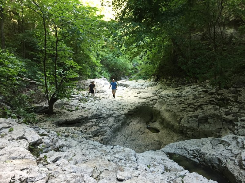 Approaching the falls from the Walls of Jericho.