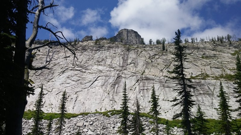 Castle Crag rises out of the slabs above Knaack Lake.