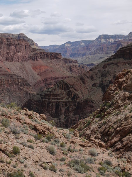 The Bright Angel Trail reveals many different rock formations.