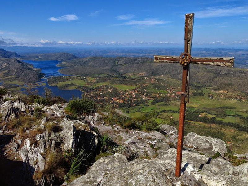 Pico da Lapinha summit.