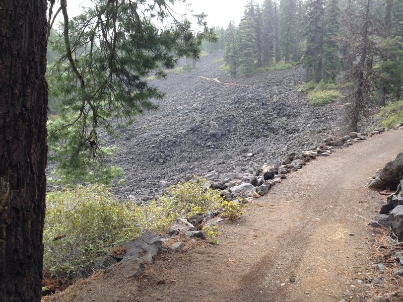 High Lakes Trail as it crosses Brown Mountain lava flows