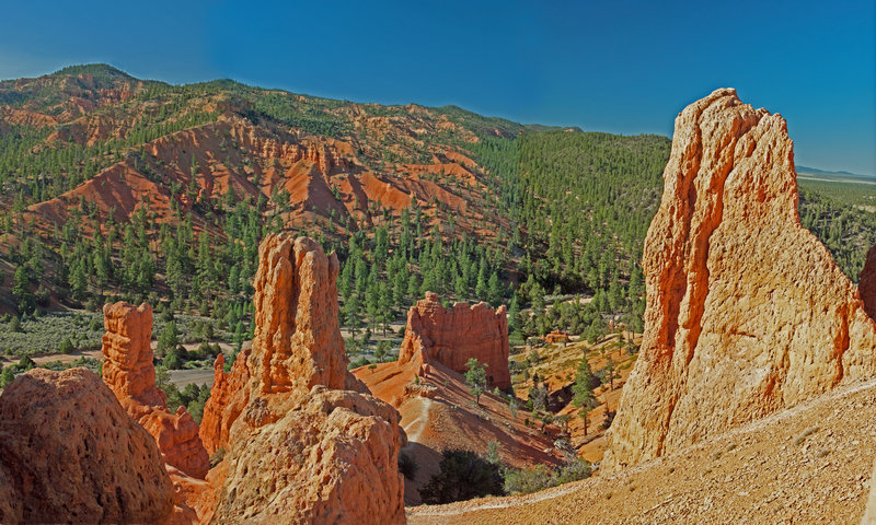 Looking across Red Canyon to the south from somewhat above the Photo Trail