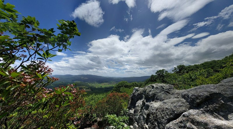 Panoramic view to the east southeast from below the lookout platform. Beware - the winds can really whip around the rocks.