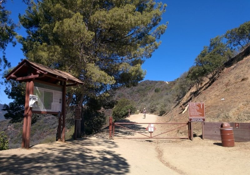 Mandeville Canyon Entrance aka Westridge Trailhead.