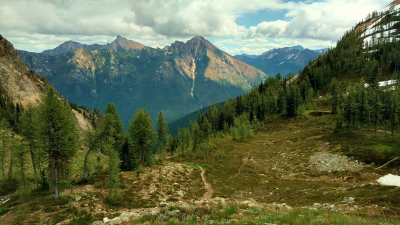 Mountains of the North Cascades seen when looking east from Easy Pass