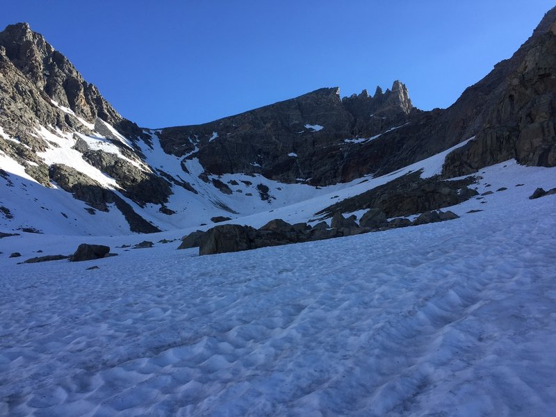 A view of Bonney Pass, Dinwoody Peak and Doublet Peak from upper Titcomb Basin