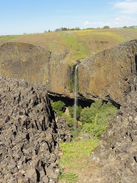 Waterfall at plateau edge, northwest corner
